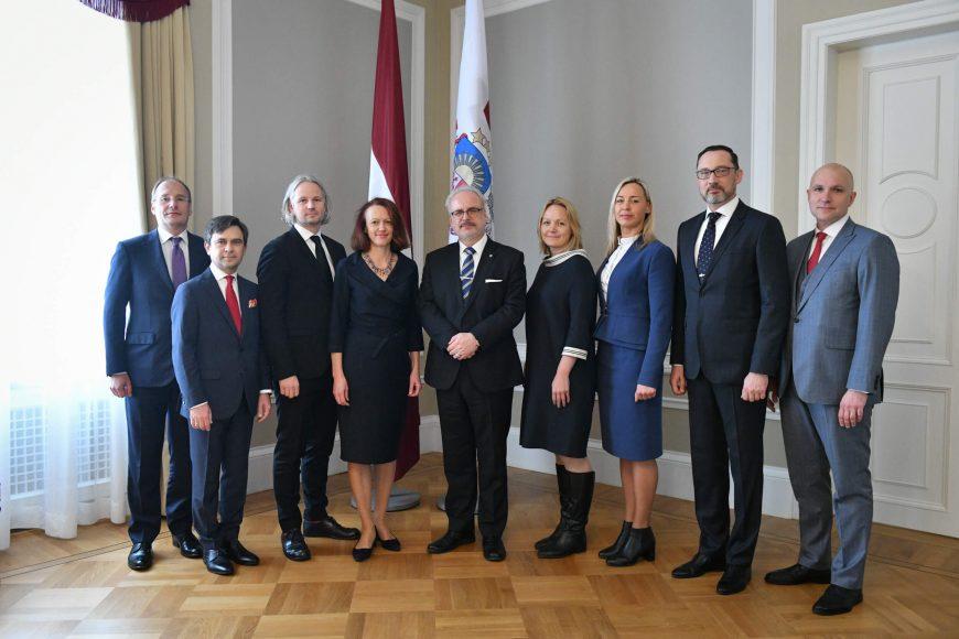 valsts-prezidents-egils-levits-tiekas-ar-finanu-nozares-asocicijas-prstvjiem_48859136338_o