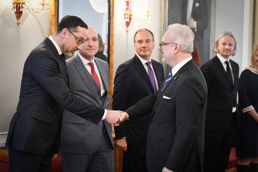 valsts-prezidents-egils-levits-tiekas-ar-finanu-nozares-asocicijas-prstvjiem_48859136463_o
