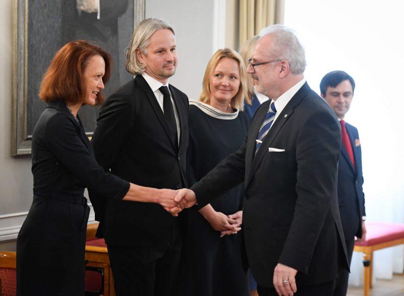 valsts-prezidents-egils-levits-tiekas-ar-finanu-nozares-asocicijas-prstvjiem_48859488661_o