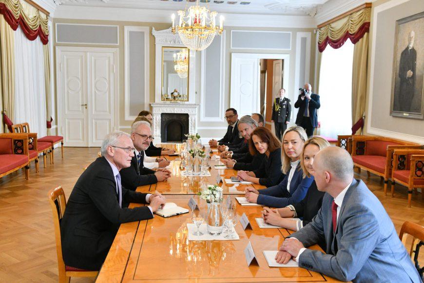 valsts-prezidents-egils-levits-tiekas-ar-finanu-nozares-asocicijas-prstvjiem_48859489606_o
