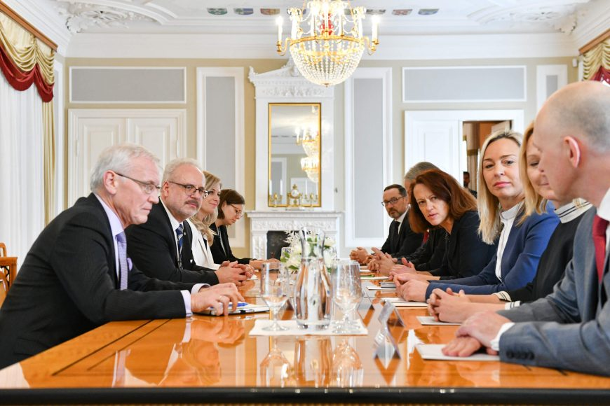 valsts-prezidents-egils-levits-tiekas-ar-finanu-nozares-asocicijas-prstvjiem_48859685957_o